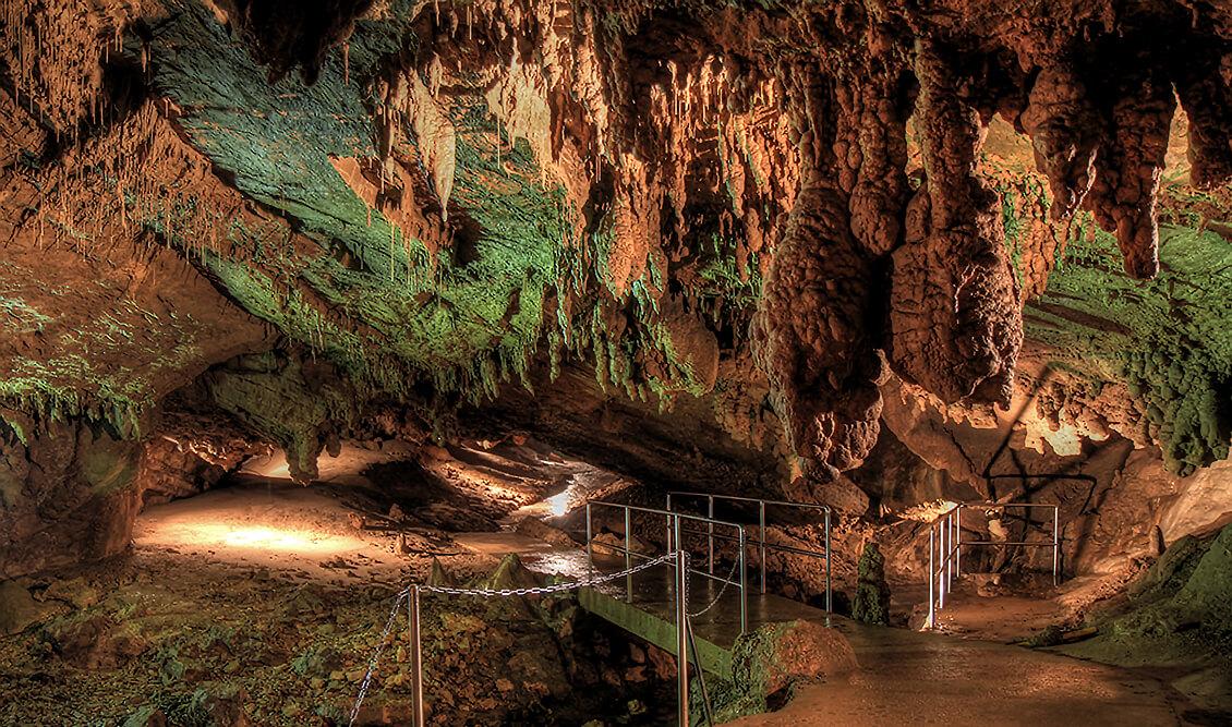 Üsküp Vrelo Mağarası
